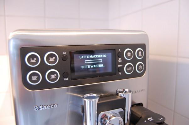 Zubereitung von Latte Macchiato
