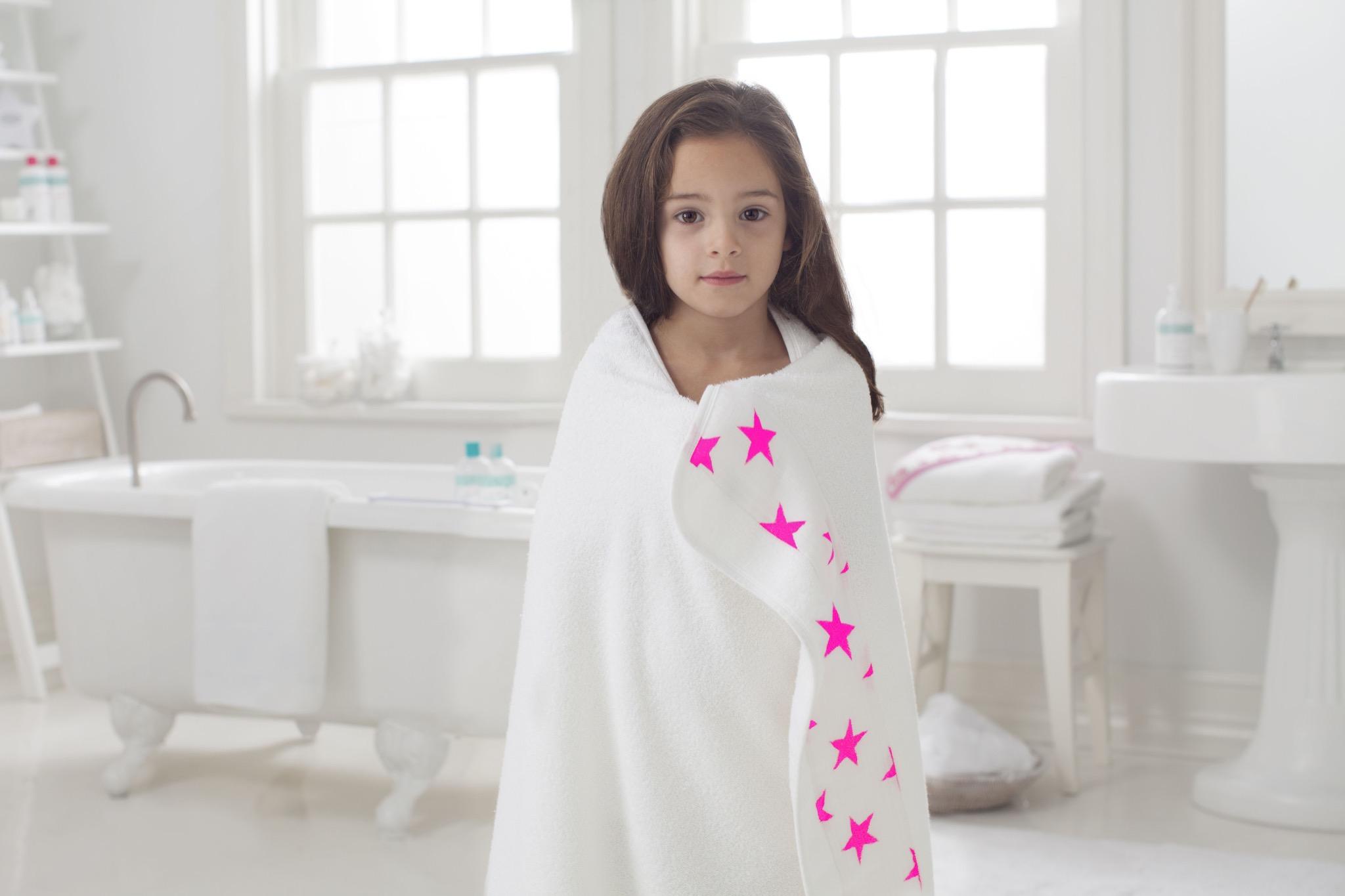 adenandanais_toddler towel_fluro pink