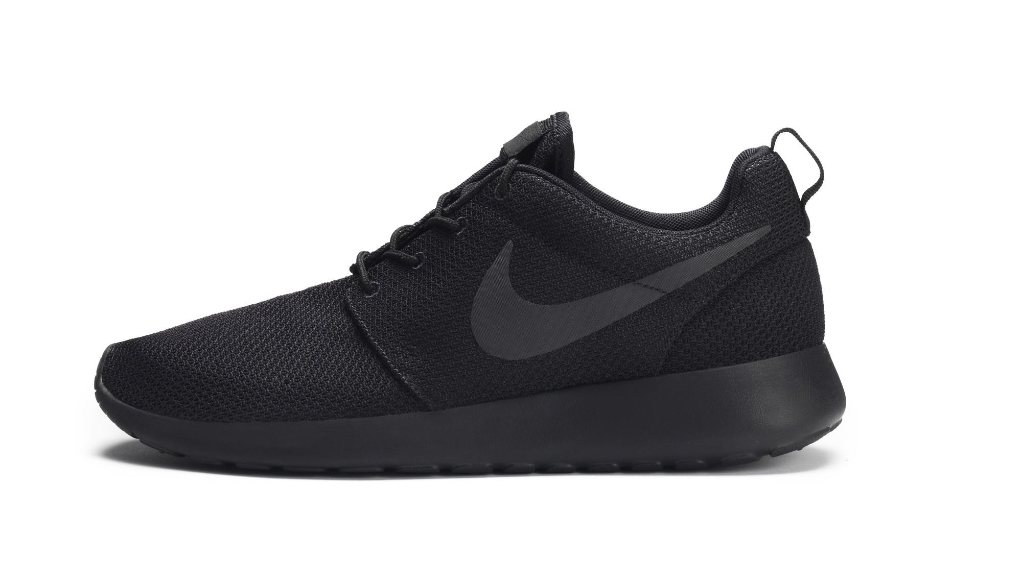 RS93014_Foot Locker Exclusive_Nike Rosherun-lpr