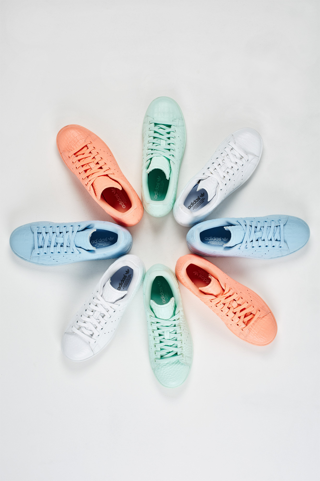 RS106229_Foot Locker x It Must Be February_adidas Stan Smith-2 Womens-lpr