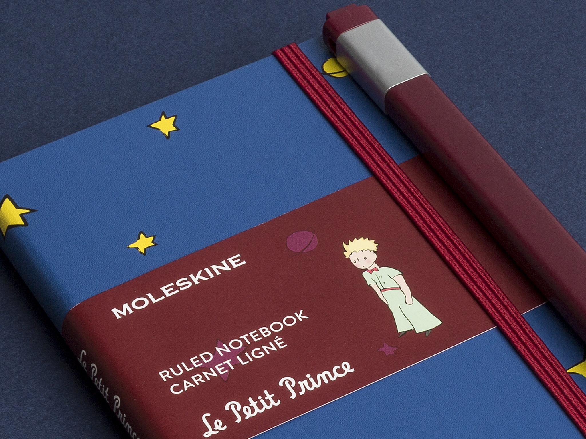 RS98917_Moleskine_Petit Prince_limited edition_Pocket_blue_close up