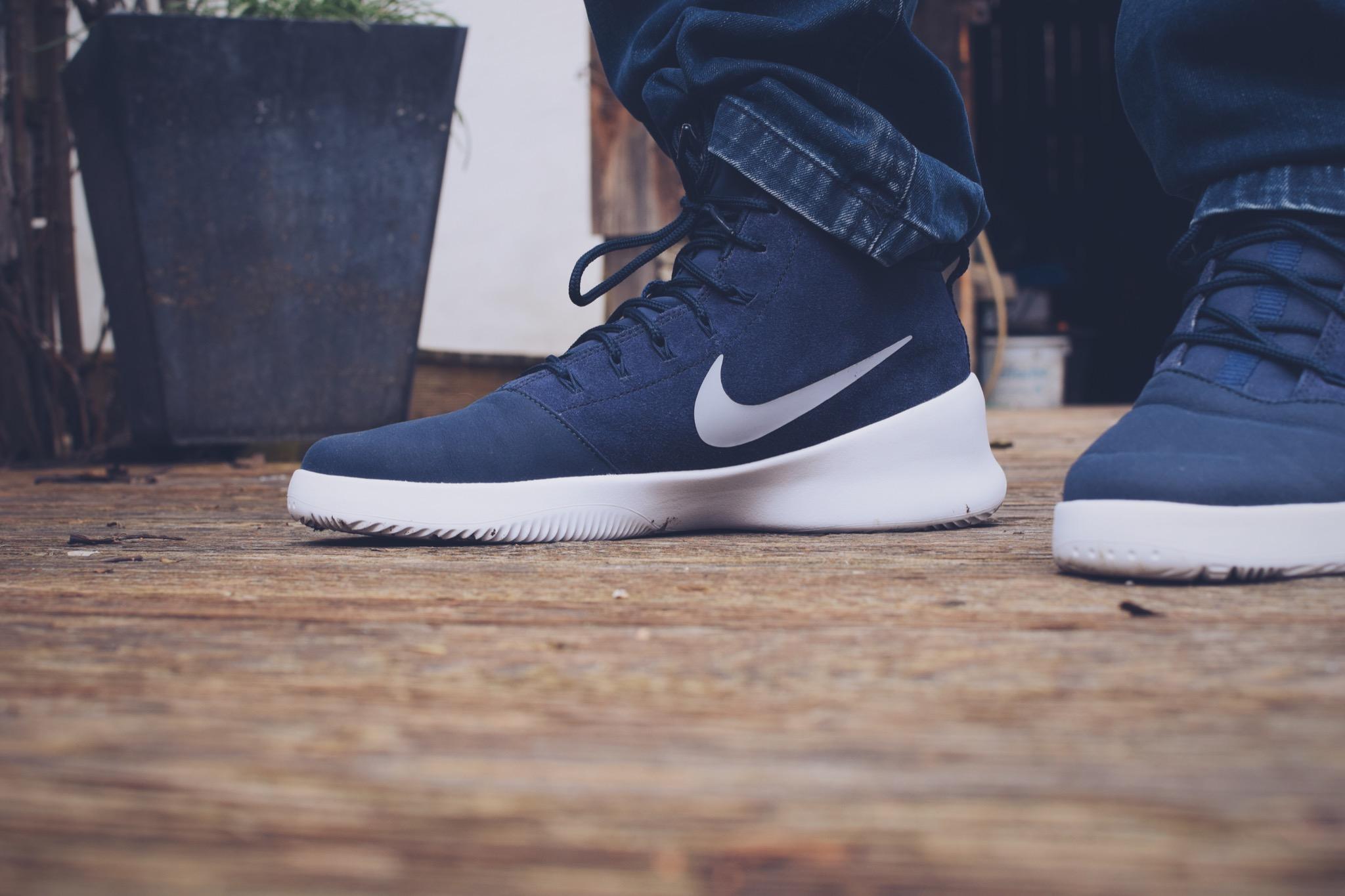 Nike_Hyperfuse_Foot_Locker_0166