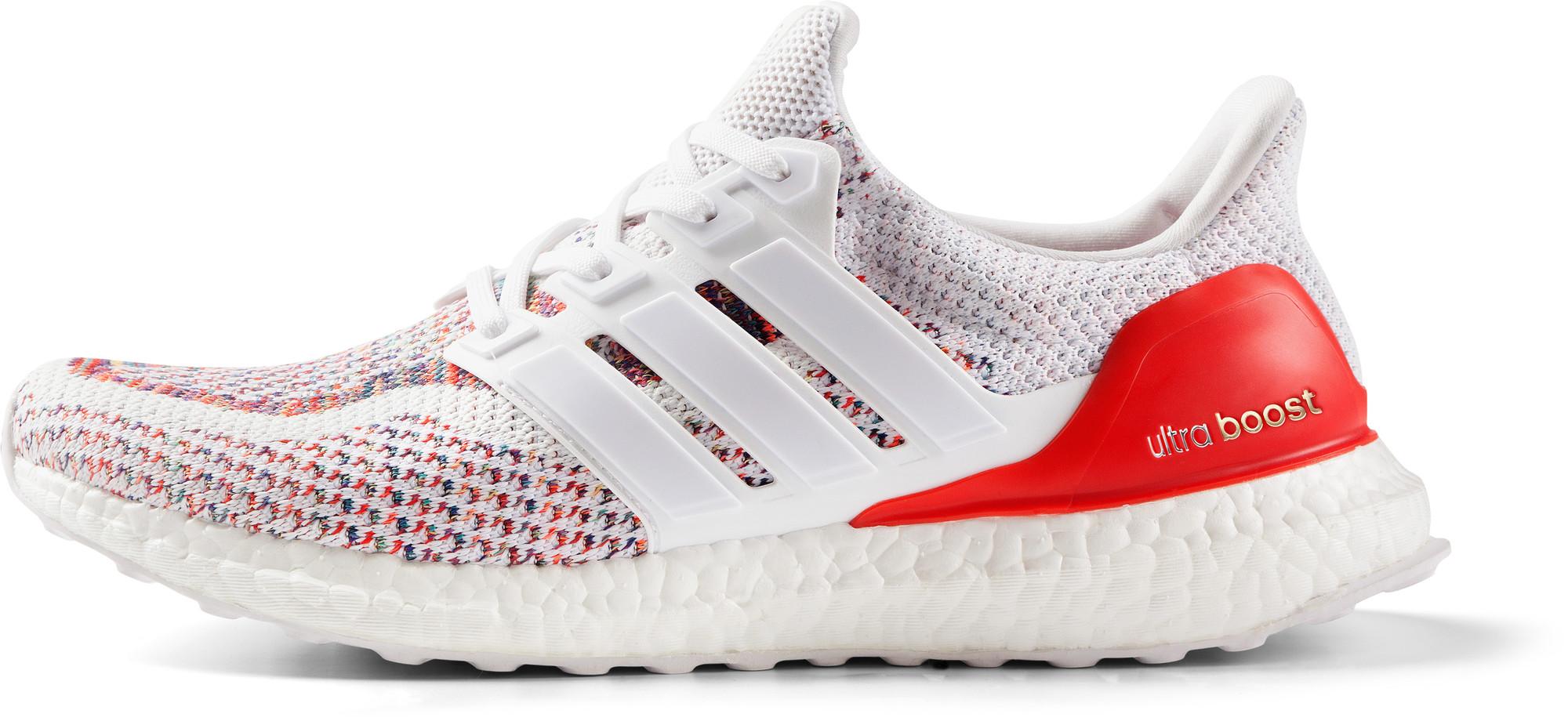 RS114909_Foot Locker_adidas_Ultraboost_red_white-lpr