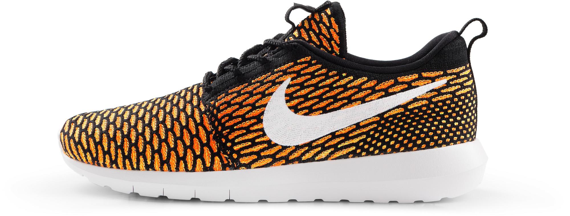 RS114926_Foot Locker_Nike_Roshe_NM_Flyknit_black_white_total-orange-lpr