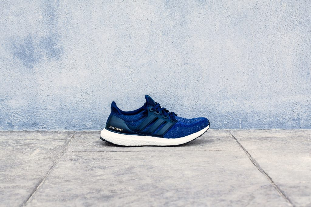 RS114933_Foot Locker_Mood_adidas_Ultraboost_navy_navy_navy-lpr