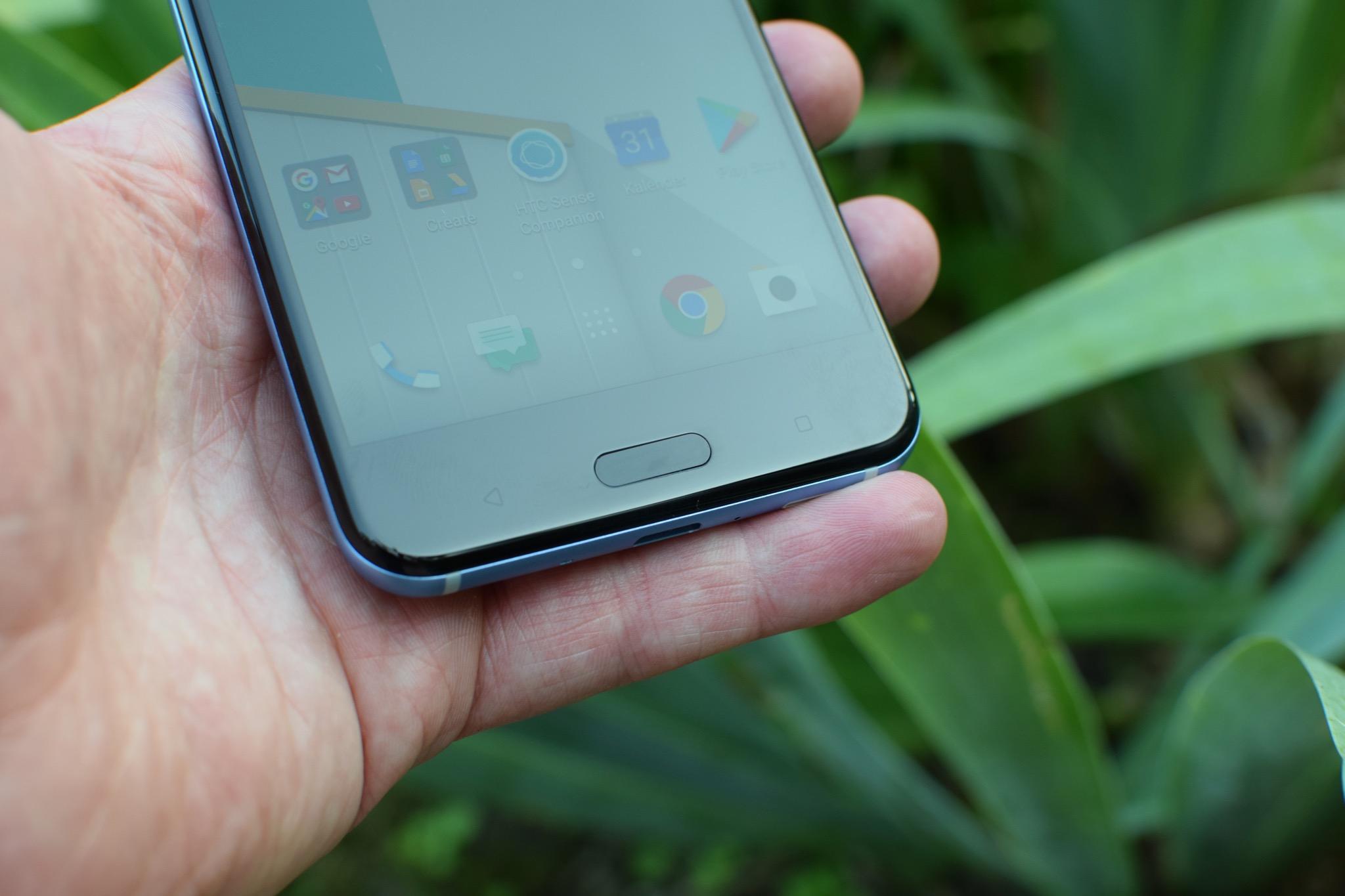 HTC U11_0155