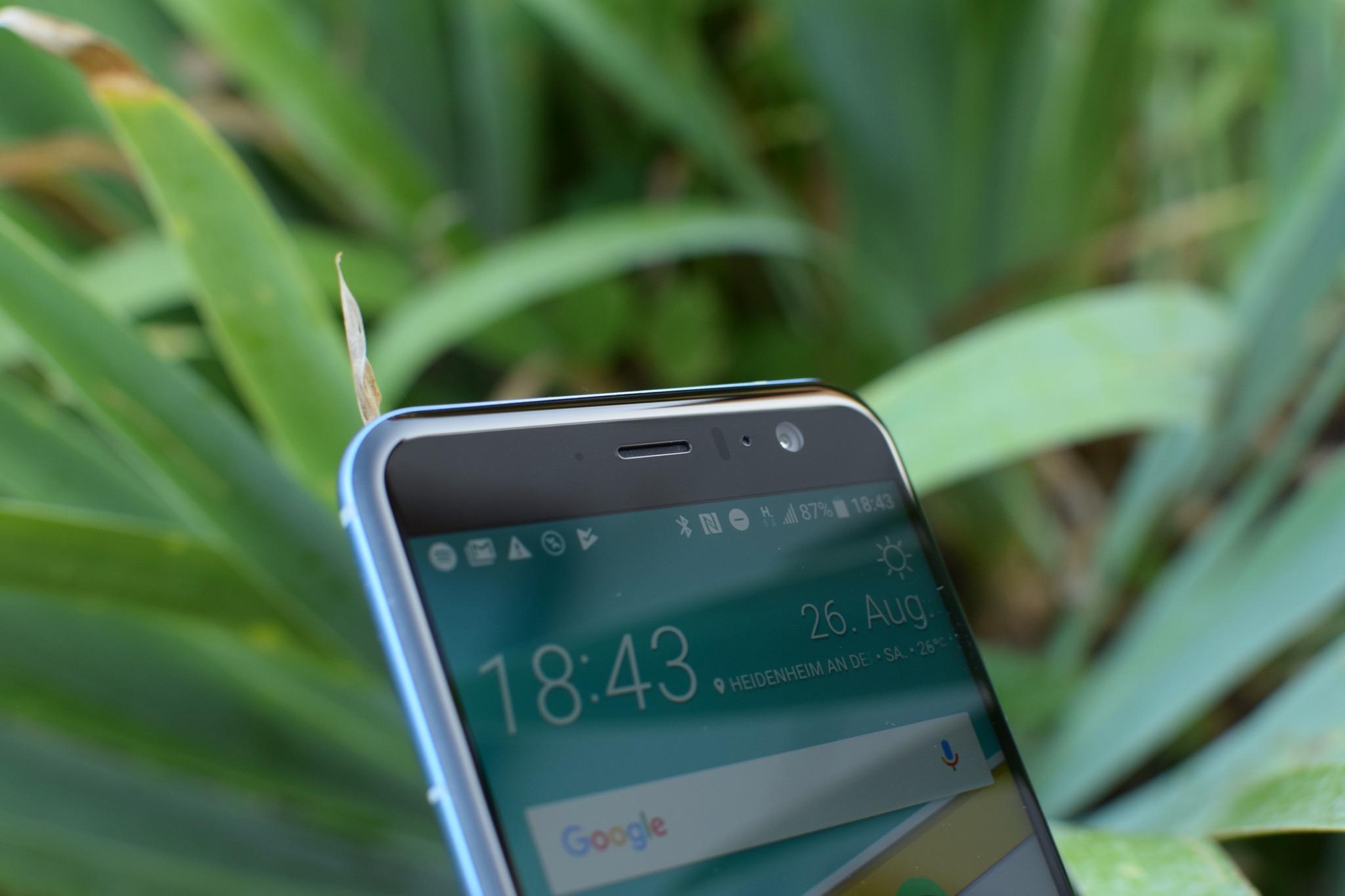 HTC U11_0157